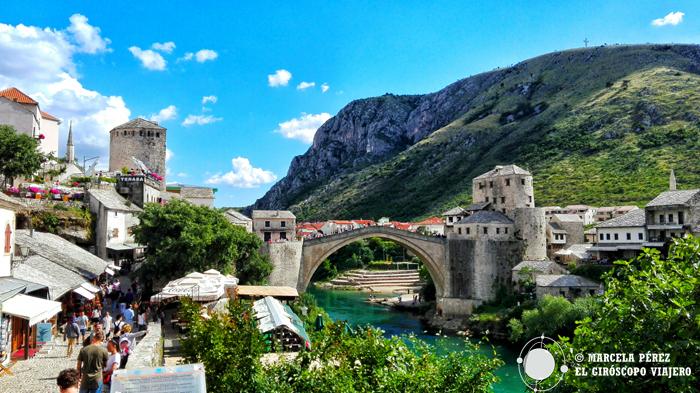 La belle ville de Mostar et son célèbre pont aujourd'hui reconstruit