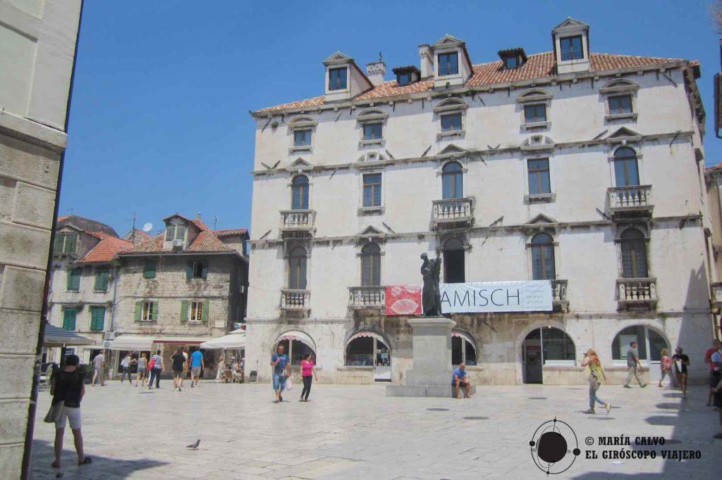 La Piazza est dans le coeur historique de Split