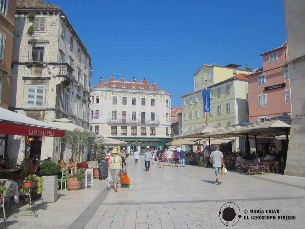 Les splendides rues de la cité historique de Split