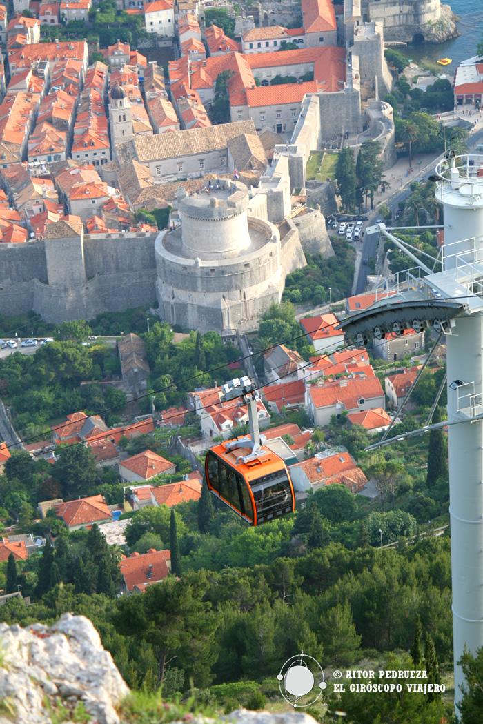 Fantastique prise du cable car de Dubrovnik depuis le Mont Srd