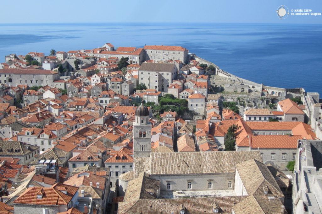 La vieille ville de Dubrovnik depuis les remparts, visite obligée !