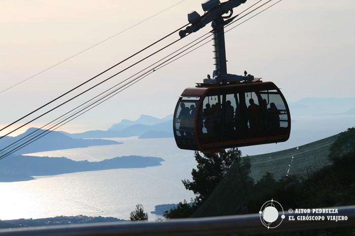 Coucher de soleil au Mont Srd, où vous amène le téléphérique de Dubrovnik