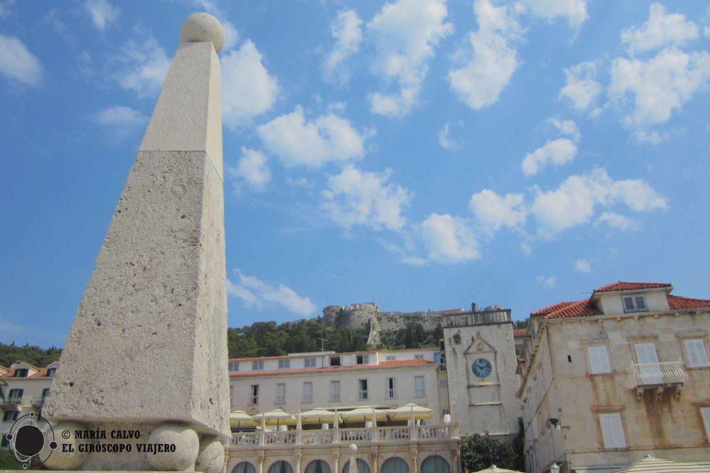 La forteresse espagnole vue de la place Saint-Clément