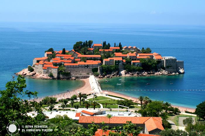 La bella isla de Sveti Stefan
