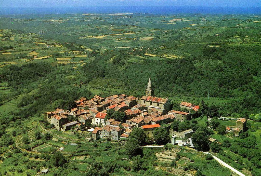 Le village perché de Grožnjan, à l'arrière-pays d'Istrie