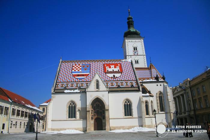 La belle église Saint-Marc de Zagreb, avec son beau toit de tuiles vernissées